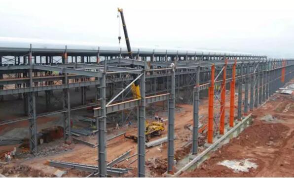 在大量的工程建设过程中,钢结构工程也暴露出不少质量通病.